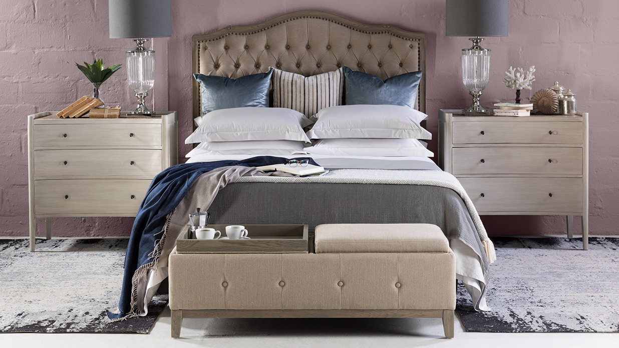 Style your bed like an expert