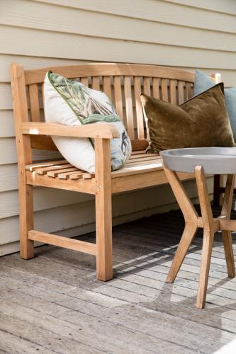 Block & Chisel Hathaway - teak wood bench
