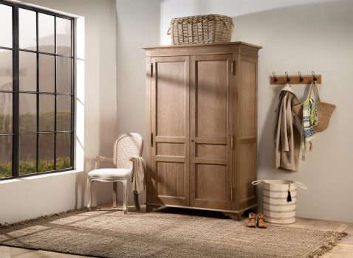 Wayhouse wardrobe hanging and shelving in old oak