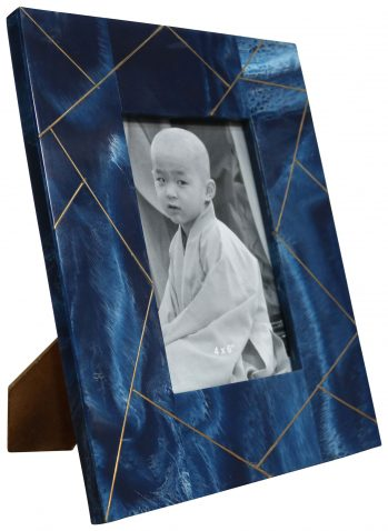 Block & Chisel cream resin photo frame with abstract line