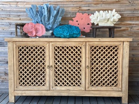 Block & Chisel white polyresin coral