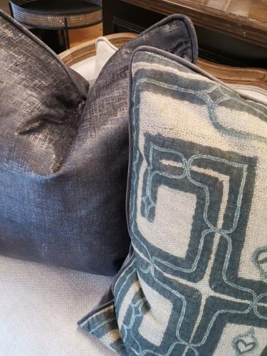 velvet cushion in glimmer shimmer