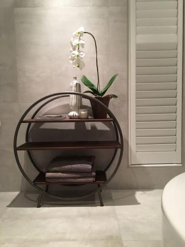 Block & Chisel bathroom shelf