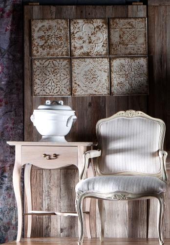 Block & Chisel plate decor