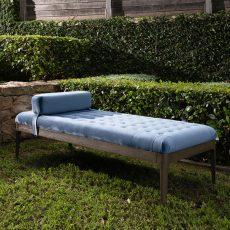 Millie Daybed with headrest and tufted details in blue