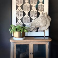 Block & Chisel polyresin horse head on metal stand