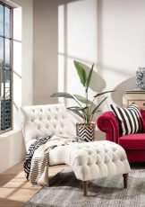 ivory upholstered buttoned chaise